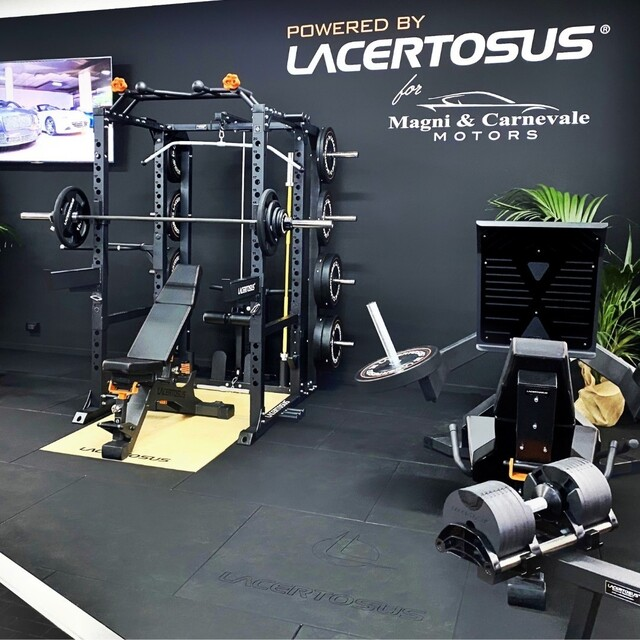 Ti meriti il meglio, non accontentarti 💪 #poweredbylacertosus🇬🇧 You deserve the best, don't settle for lessPhoto courtesy @magniecarnevalemotors#lacertosus #lacertosusequipment #lacertosustyle #passion #quality #motivation #design #madeinitaly #homegym #garagegym #homeworkout #garageworkout #fitness #wellness #allenatiacasa #powerrack #muscle #legpress #training #workout #powerlifting #bodybuilding #crosffit #functionaltraining #rack #propowerrack #bumpers #panca #barbell💻Web: www.Lacertosus.com ✉Preventivi e informazioni: info@lacertosus.com 🚚Trasporti attivi in tutta Italia ed estero ➡️Taggaci nelle tue foto @lacertosus_equipment