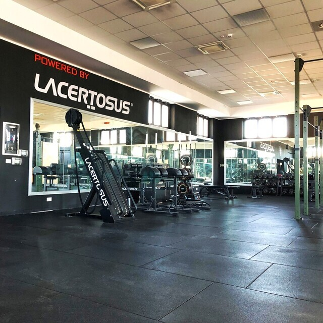 🇬🇧 It is an honor for us to serve the Special Corps with our Lacertosus equipment Here is the indoor gym studied and designed for their workouts #poweredbylacertosus🇮🇹 È un onore per noi servire il Corpo Speciale con le nostre attrezzature Lacertosus#lacertosus #lacertosusequipment #lacertosustyle #homegym #homefitness #homegarage #homeworkouts #gym #fitness #welness #fitnessitalia #gymlife #allenamentofunzionale #funzionaltraining #crossfit #crosstraining #powerlifting #bodybuilding #indoorgym #specialcorps #workout #design #passion #madeinitaly #quality💻Web: www.Lacertosus.com ✉Preventivi e informazioni: info@lacertosus.com 🚚Trasporti attivi in tutta Italia ed estero ➡️Taggaci nelle tue foto @lacertosus_equipment
